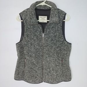 Abercrombie & Fitch Quilted Grey Vest Medium